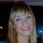 Helle Flindt, sygeplejerske, kæreste med Hannes nevø Buster (Casper) Larsen