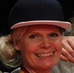Cecilia Lindahl, skolelærer, er en af Hannes hiphop-venner. Cecilia er ved at flytte til Sverige og gift med Erik Lindahl