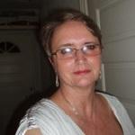 Ulla Lou, plejehjemsdame, er en af Kurts gamle venner. Ulla er gift med Poul Lou